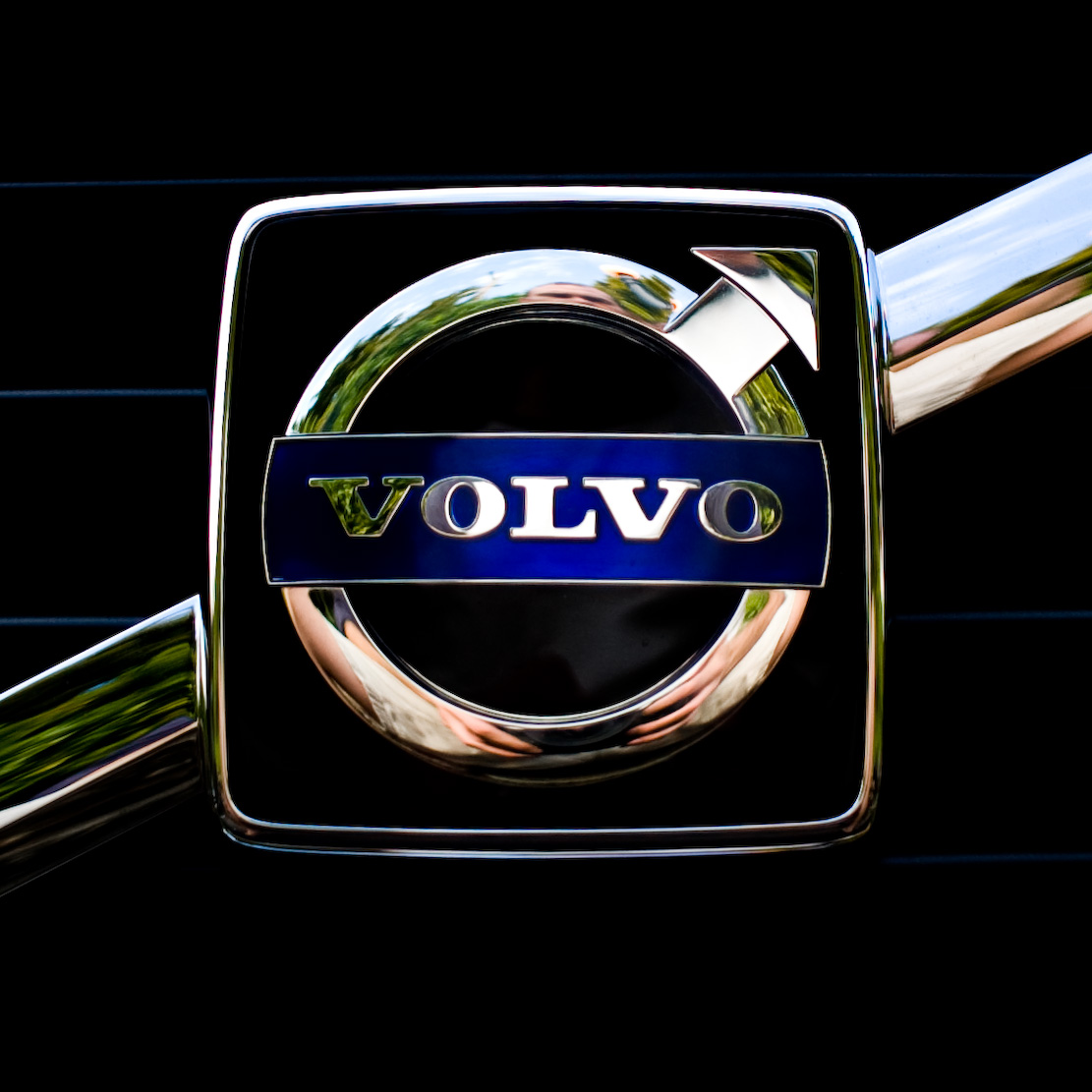 Volvo- WHIPS (Whiplash Protection System)